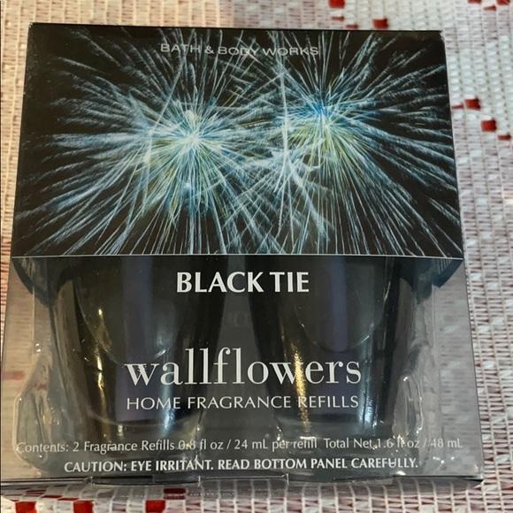 Bath and Body Works Wallflower Black Tie 2 pack